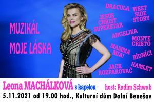 Leona Machálková s kapelou